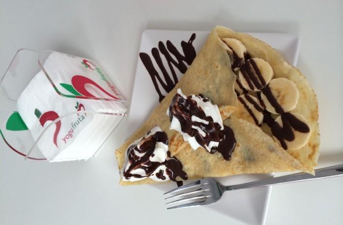 Crepes con Yogurt Helado